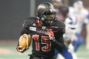 WR Kendal Thompkins in action for the Predators against Tampa Bay. Image credit: Orlando Predators/Don Montague